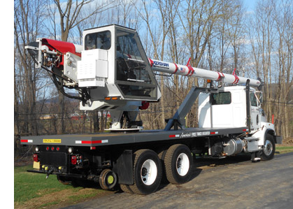 clearway hi-rail truck with boom